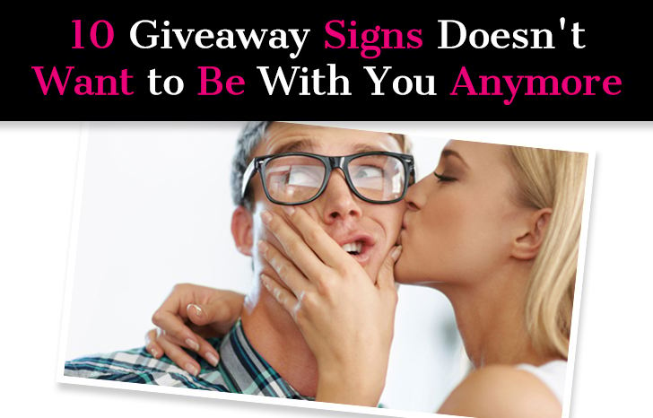 10 Giveaway Signs He Doesn't Want to Be With You Anymore And Doesn't Love You post image